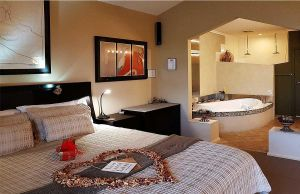 Romantic Getaways at Riverview Rise Retreats - Accommodation Port Hedland